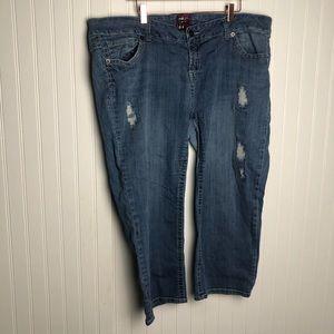 Torrid High Rise Cropped Light Wash Skinny Jeans